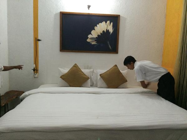 Peaceful romantic hotel rooms in kandy sri lanka