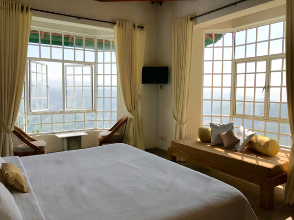 Luxury Hotel rooms with beautiful view in kandy