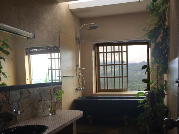 cool bath toilet in kandy hotel sri lanka