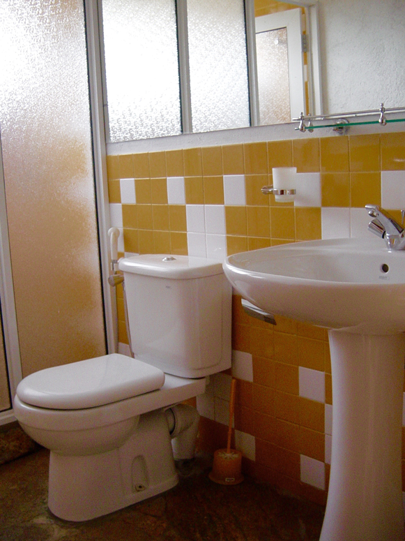 Toilet kandy club lespri sri lanka